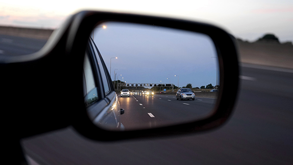 looking in the rear view mirror reflecting on trends in automotive customer experience