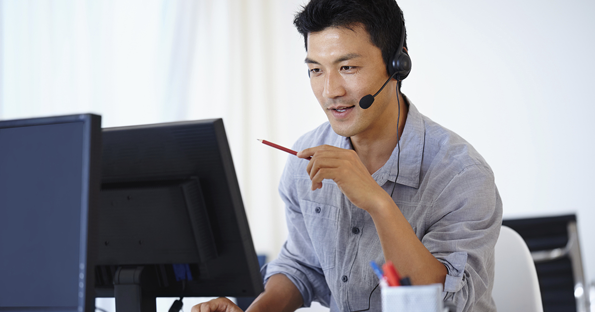 Contact center agent upselling and cross-selling