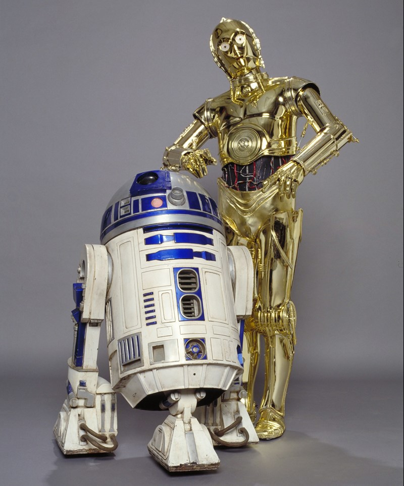 R2-D2 and C-3PO using chatbots
