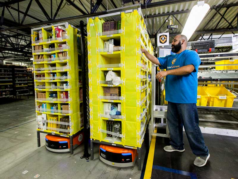 automation in fulfillment centers using cobots