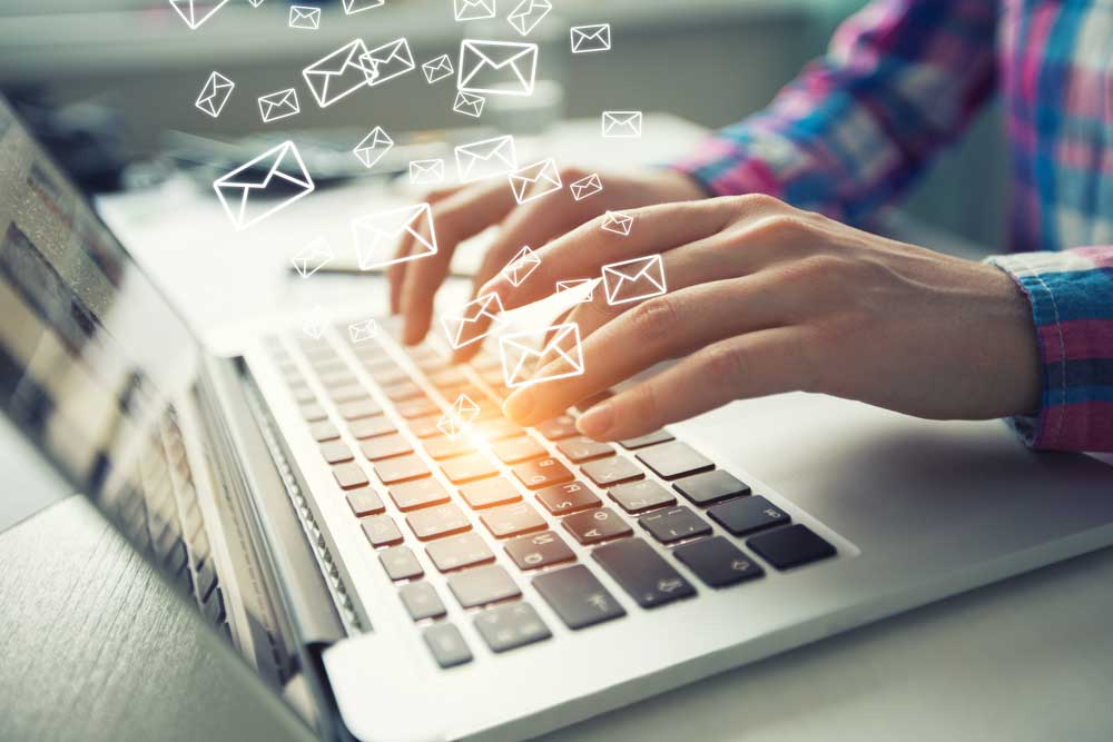 Both auto-reply emails and email virtual assistants respond to customer inquiries. But only virtual assistants actually resolve customer issues quickly and accurately.