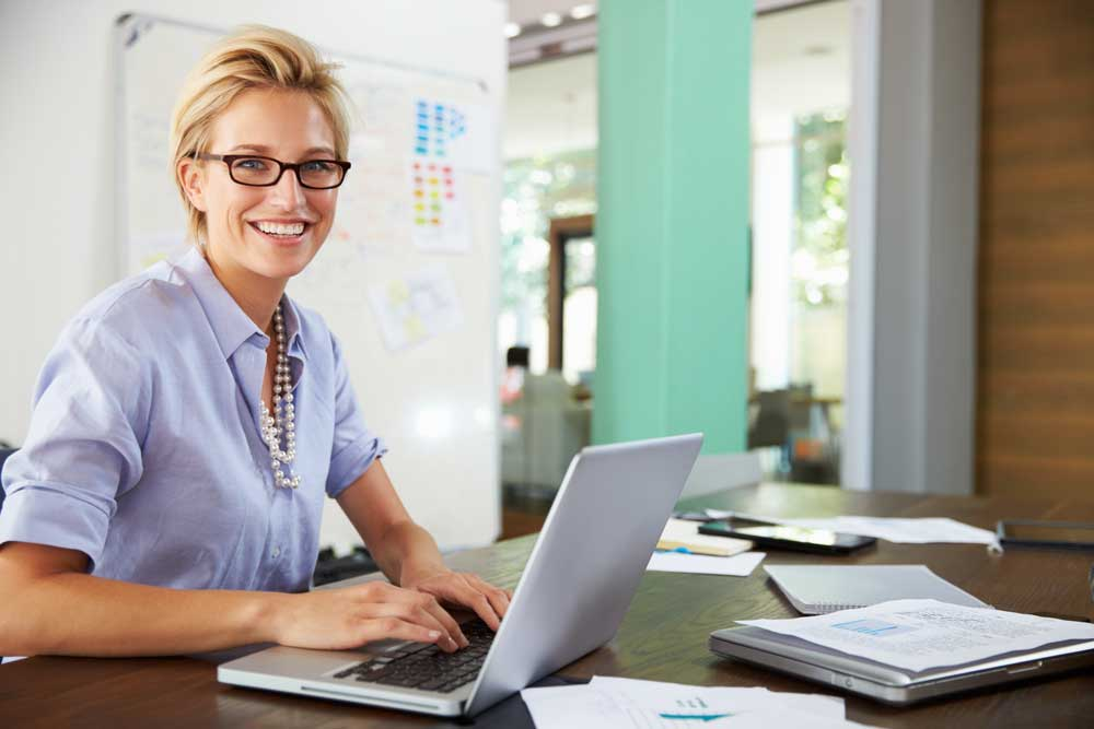 Why aren't more HR teams using CRMs as their HR help desk software?