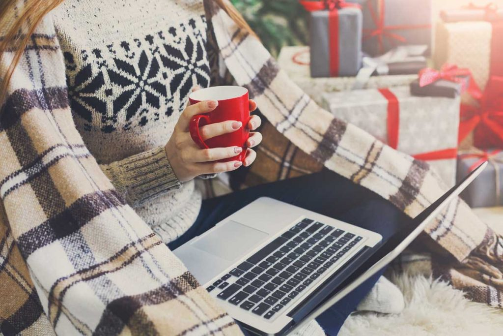 with more consumers shopping online this holiday season retail customer service must respond to trends
